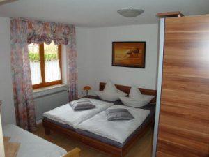 Schlafzimmer - Ferienwohnung Schreyer Aitrach